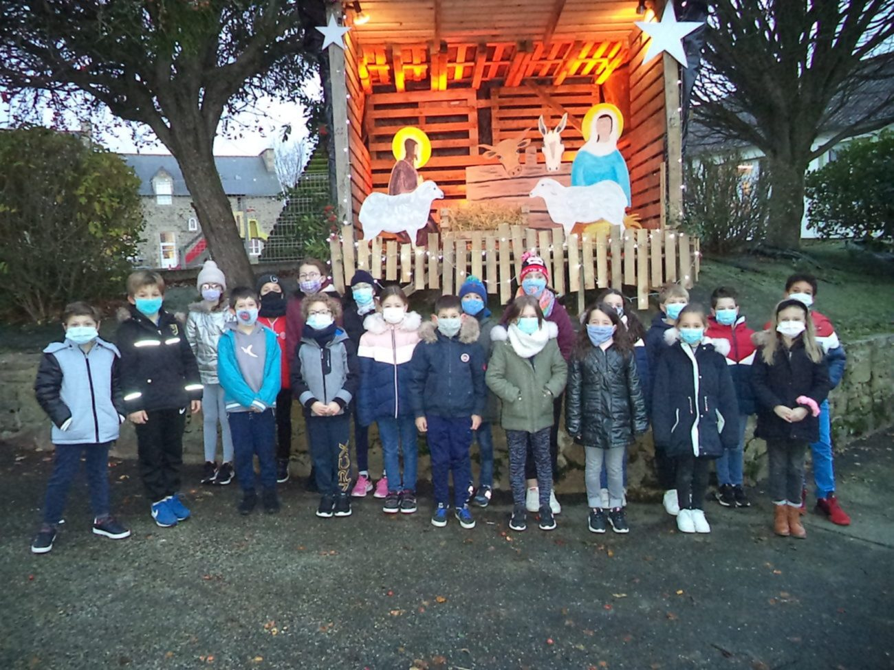 Une magnifique crèche de Noël pour nos élèves !